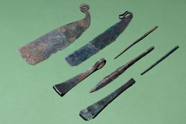 Bronze Age vanity